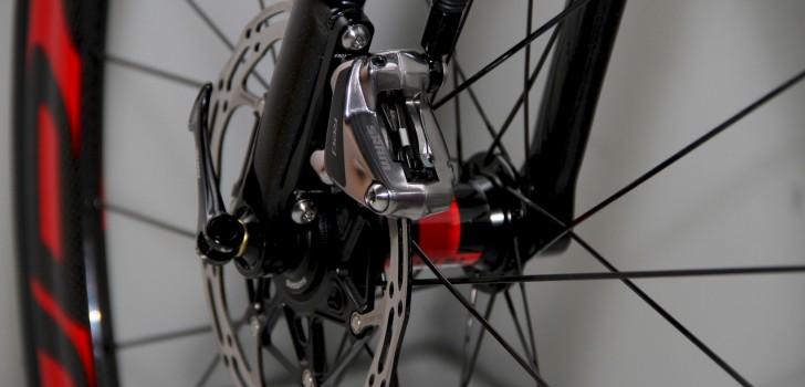 'UCI verbiedt schijfremmen per direct'