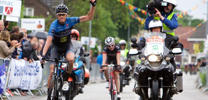 Oscar Riesebeek zegeviert in Omloop der Kempen