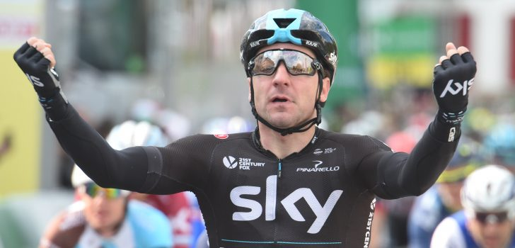 Elia Viviani de snelste in Bretagne Classic