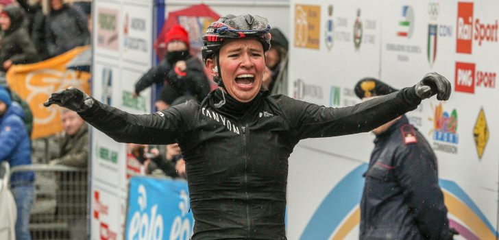Niewiadoma neemt leiding Women's World Tour over van Van der Breggen