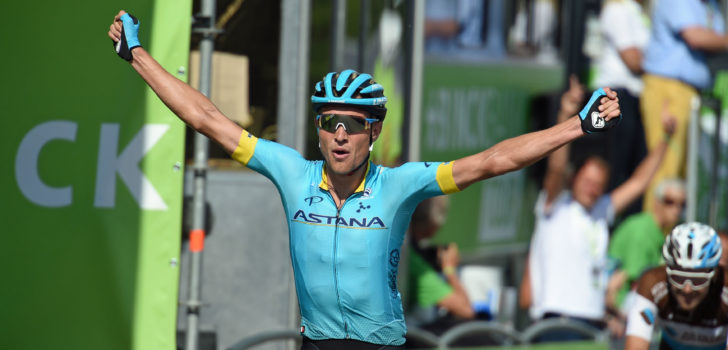 Magnus Cort klopt Julius van den Berg in BinckBank Tour
