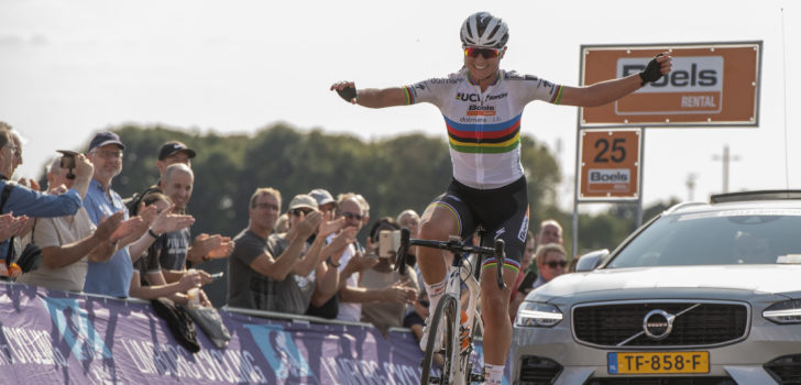 Chantal Blaak soleert naar zege in koninginnenrit Boels Ladies Tour