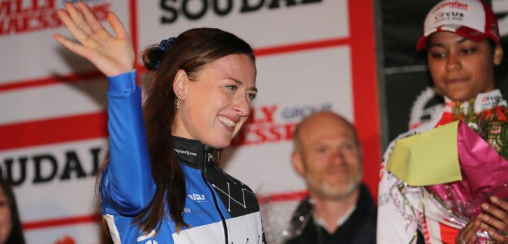 Denise Betsema schoolt zich succesvol om van mountainbikester naar veldrijdster