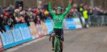 Maud Kaptheijns fietst frustratie van zich af en wint in Essen