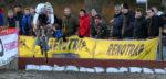 Van der Poel wacht lang, maar wint in Sint-Niklaas