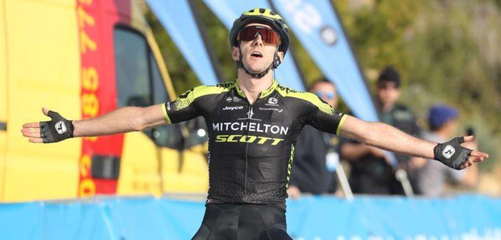 Adam Yates wint koninginnenrit in Ronde van Valencia, Ion Izagirre grijpt leiderstrui