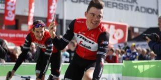 Mads Pedersen soleert naar winst in GP d'Isbergues