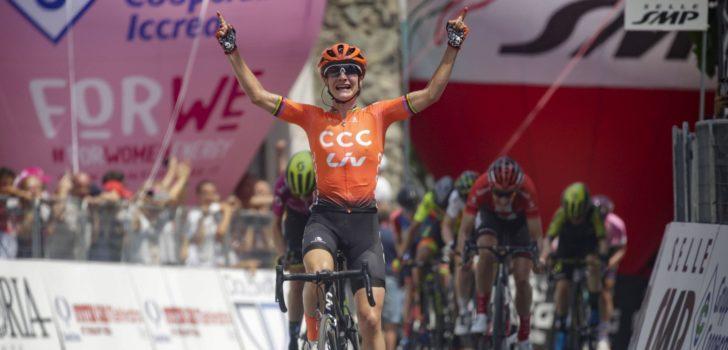 Volledig Nederlands podium in Giro Rosa: Vos blijft Van Vleuten en Brand voor