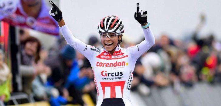 Ceylin del Carmen Alvarado wint wereldbeker Koksijde