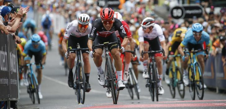 Caleb Ewan slaat dubbelslag met machtige sprint in Tour Down Under, Philipsen vierde