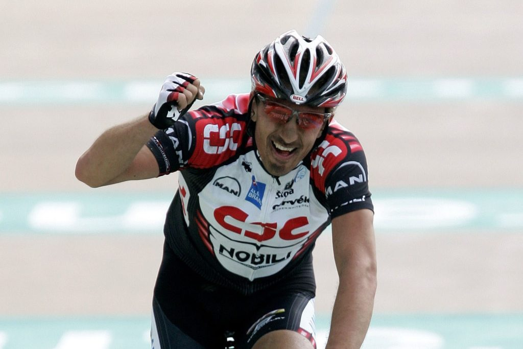 Fabian Cancellara wint Parijs - Roubaix 2006
