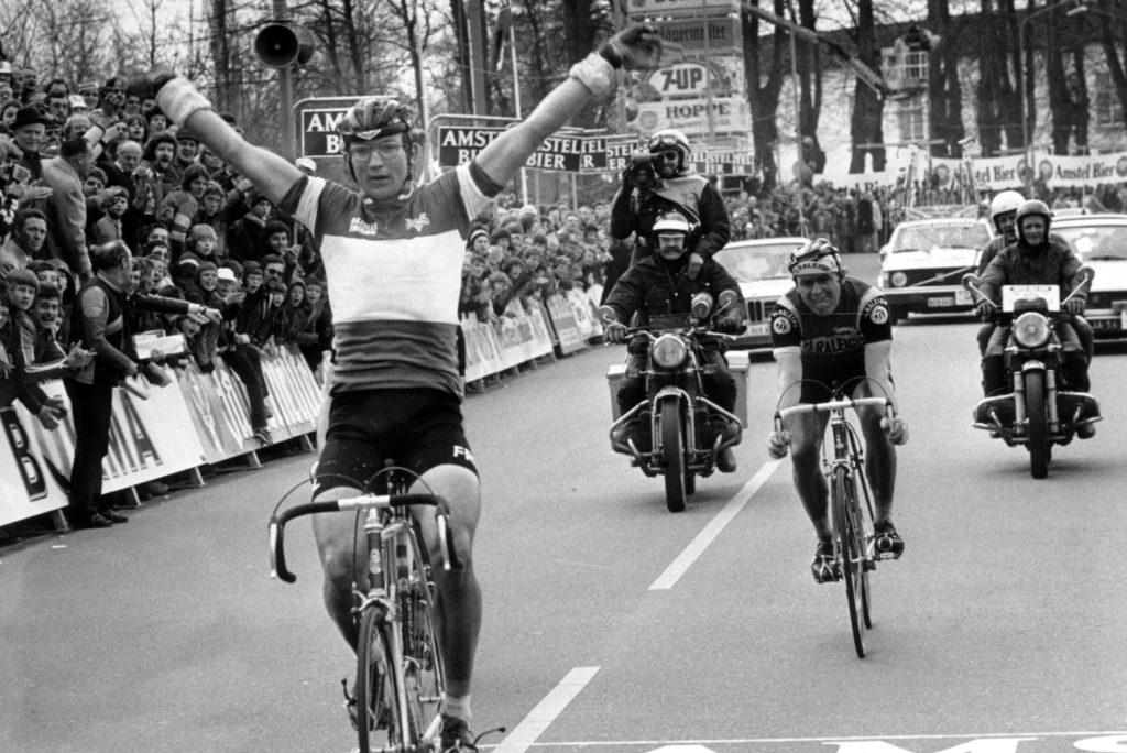 Jan Raas wint de Amstel Gold Race 1977