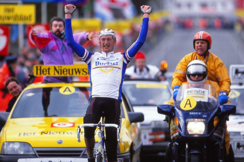 Edwig Van Hooydonck wint de Ronde van Vlaanderen 1991
