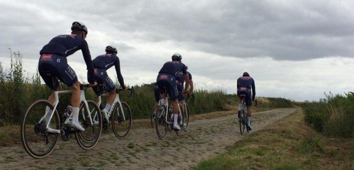Mathieu van der Poel en ploegmaats verkennen klassiekers tijdens ministage
