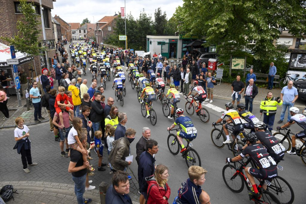 Peloton in GP Vermarc Sport Rotselaar 2020