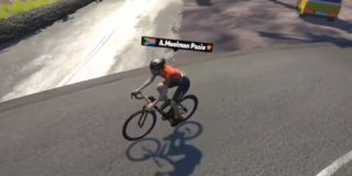 Moolman-Pasio zegeviert op virtuele Mont Ventoux