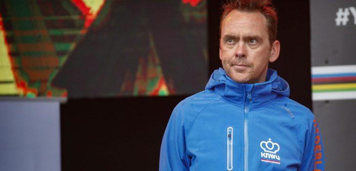 """Bondscoach Moerenhout hoopt nog op WK: """"Maar wie wil nu nog zijn nek uitsteken?"""""""