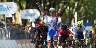 Arnaud Démare zegeviert in sprinteditie Milaan-Turijn, Van Aert derde