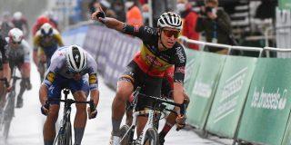 Tim Merlier wint regenachtige Brussels Cycling Classic