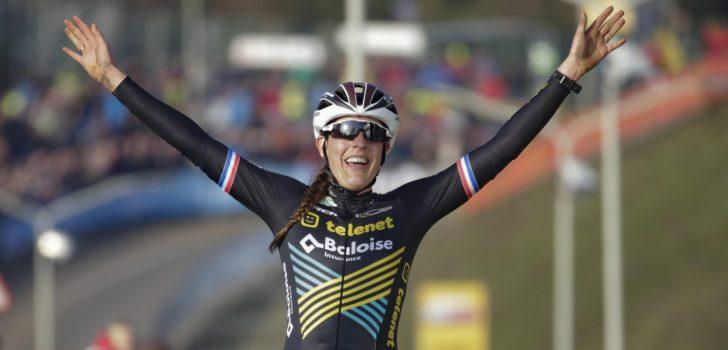Lucinda Brand remonteert in extremis Yara Kastelijn in de Polderscross