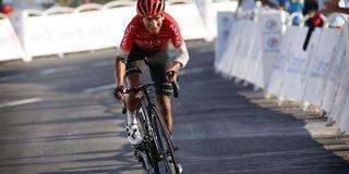 """Lijdende Nairo Quintana zakt vijf plaatsen: """"Trots drijft me voort"""""""