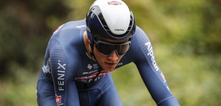 """Van der Poel toont zich bij terugkeer op mountainbike: """"Niemand wilde echt met mij meerijden"""""""