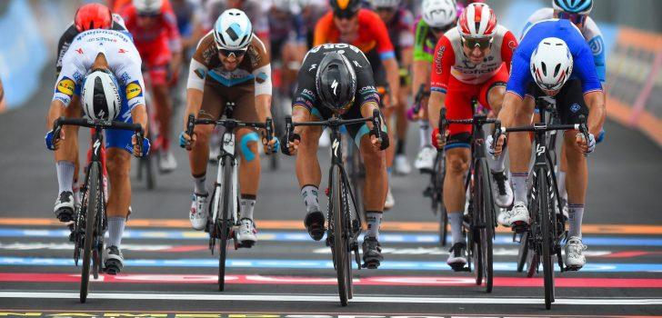 Giro 2020: Arnaud Démare wint millimetersprint in Villafranca Tirrena