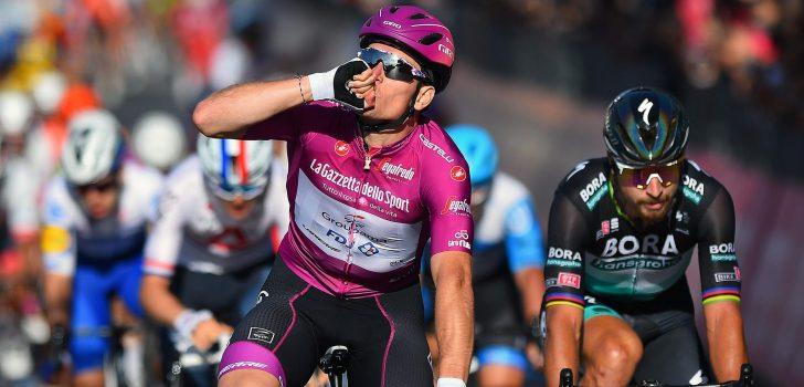 Giro 2020: Arnaud Démare zegeviert in waaieretappe naar Brindisi