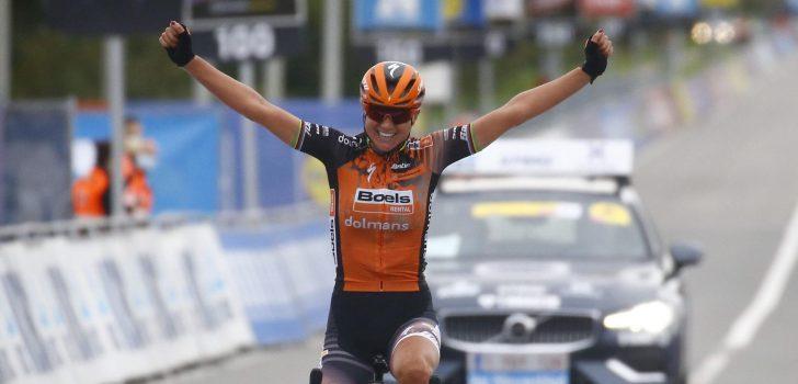 Van den Broek-Blaak wint Ronde van Vlaanderen voor vrouwen, Kopecky derde