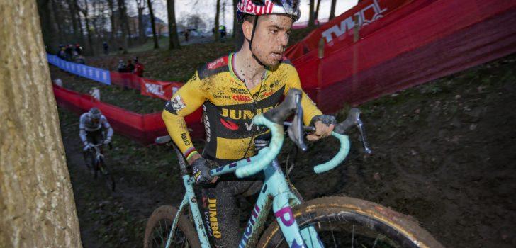 Wout van Aert crost ook na 31 december op zijn Bianchi-fiets