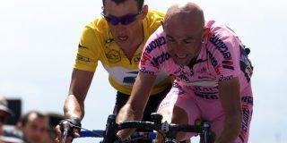Davide Cassani overhandigt Ventoux-fiets aan moeder Pantani
