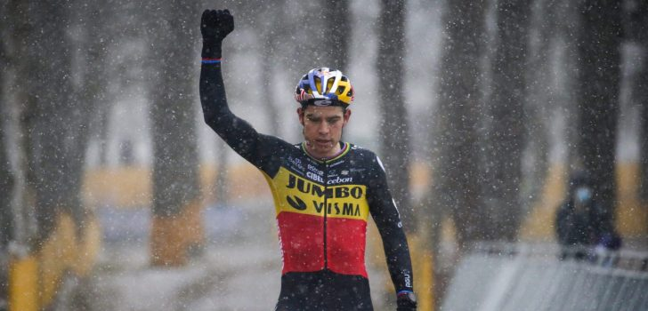 Wout Van Aert soleert naar winst in Zilvermeercross, Laurens Sweeck tweede