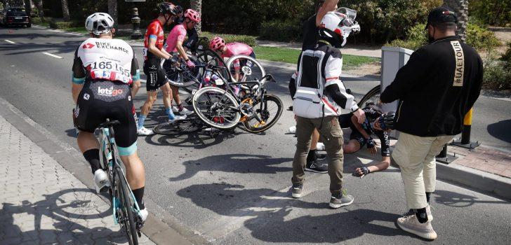 Florian Stork breekt knieschijf en ribben bij val in UAE Tour