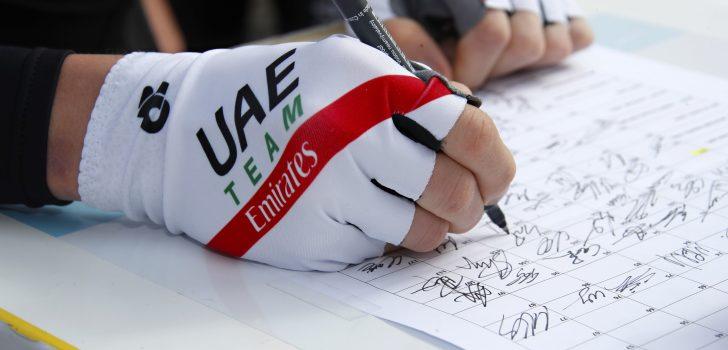 Toekomstig UAE Emirates-talent Juan Ayuso toont zich in Italië