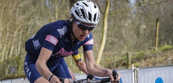 Toch elleboogbreuk voor Yara Kastelijn na val in Ronde van Vlaanderen