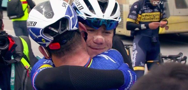 """Jakobsen viert feest met Cavendish: """"Hij heeft hier lang voor gevochten"""""""
