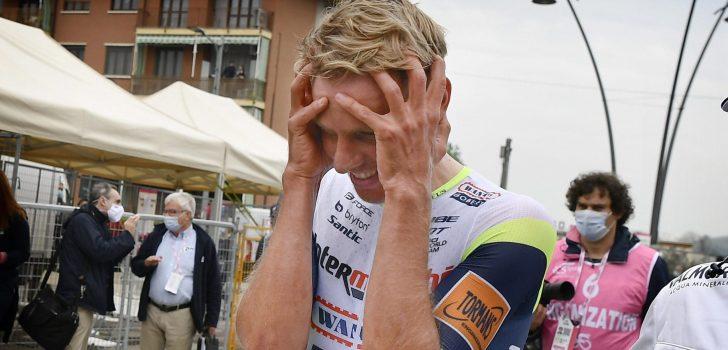 """Ongeloof bij Taco van der Hoorn na ritzege in Giro: """"Ik geloofde er eigenlijk niet meer in"""""""