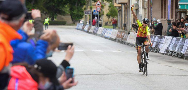 Anastasiia Chursina soleert naar de winst in de Vuelta a Burgos