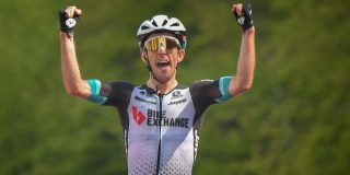 Giro 2021: Simon Yates wint op Alpe di Mera, Bernal houdt stand