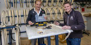 Topwielrenners Mathieu van der Poel en Wout van Aert juichen samengang Vittoria en A. Dugast toe