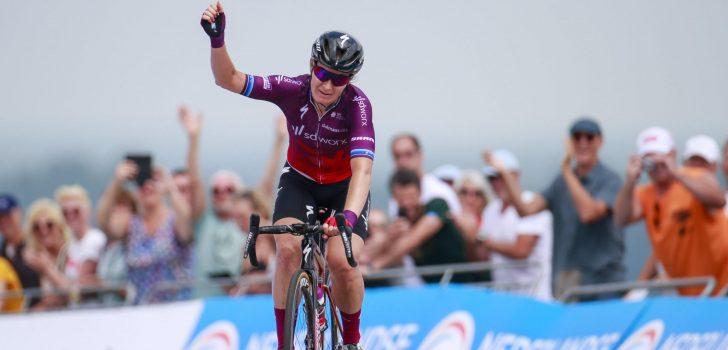 Amy Pieters wint haar eerste Nederlandse wegkampioenschap