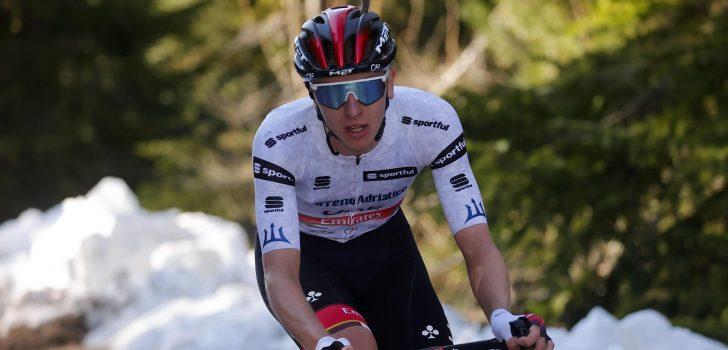 Superieure Pogacar soleert naar ritzege en pakt leiderstrui in Ronde van Slovenië