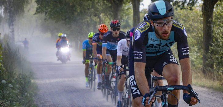 Jan-Willem van Schip met speciaal stuur in kopgroep Baloise Belgium Tour
