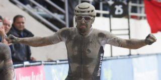 """Colbrelli in extase na winst in Parijs-Roubaix: """"Deze dag is legendarisch"""""""